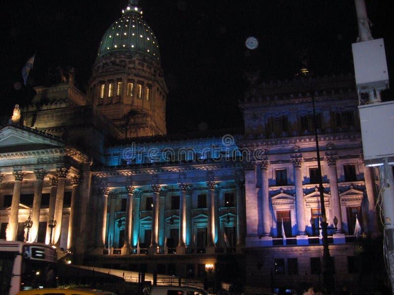 Le congrès argentin illuminé par Buenos Aires bicentenaire 2010 photos stock