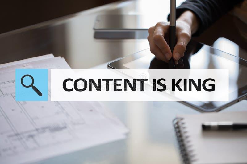 Le contenu est texte de roi dans la barre de recherche Affaires, technologie et concept d'Internet Vente de Digital images libres de droits