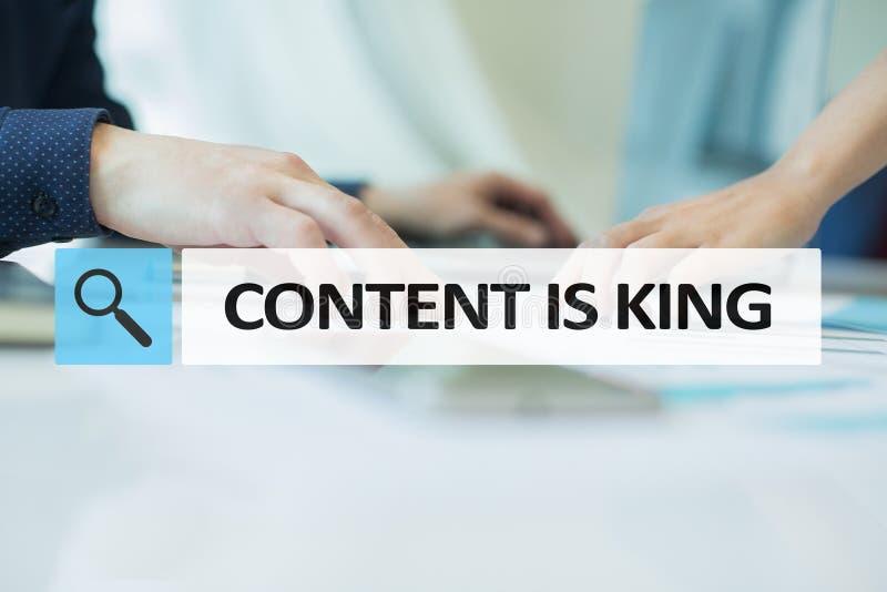 Le contenu est texte de roi dans la barre de recherche Affaires, technologie et concept d'Internet Vente de Digital image libre de droits