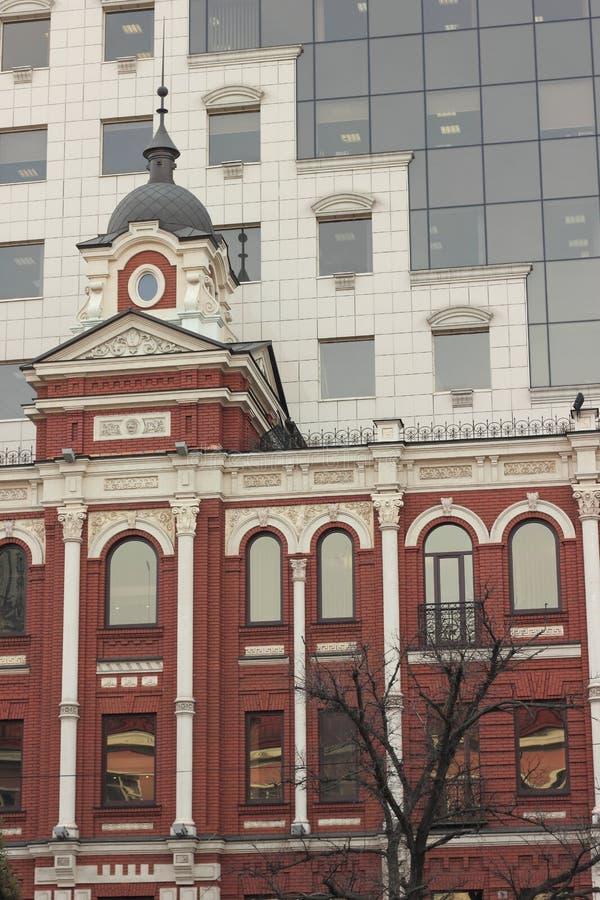 Le contraste entre l'architecture images libres de droits