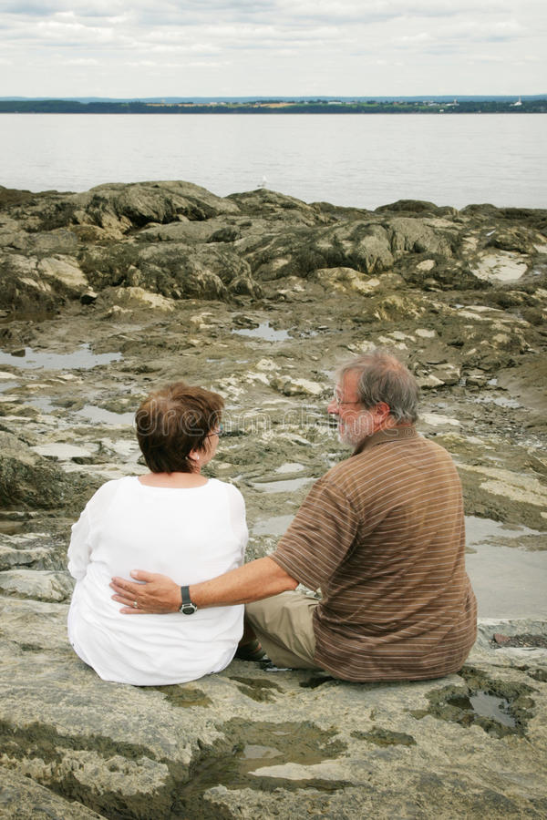 le coppie fanno maturare fotografia stock libera da diritti