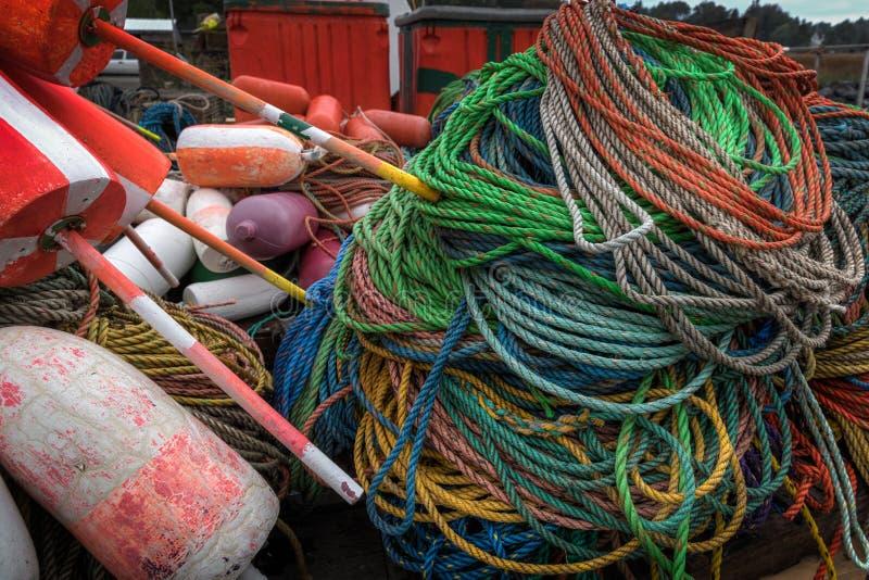 Le corde e le boe si chiudono su fotografia stock libera da diritti