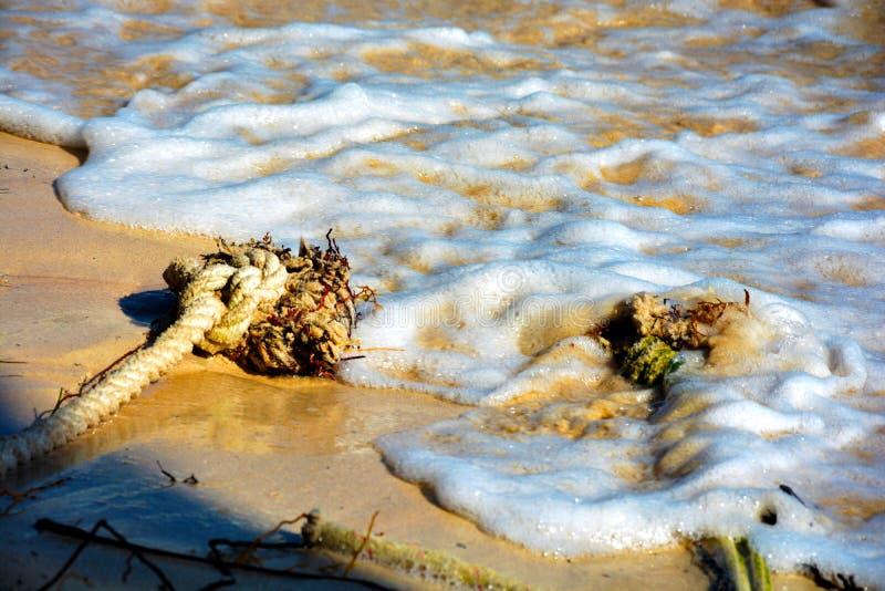 Le corde nell'acqua fotografia stock libera da diritti