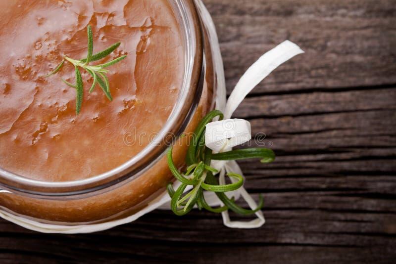 Le corps diy naturel de sucre et de sel de gingembre frottent photographie stock