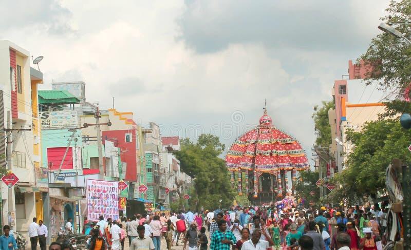 Le cortège de la grande voiture de temple de Thiruvarur photos stock