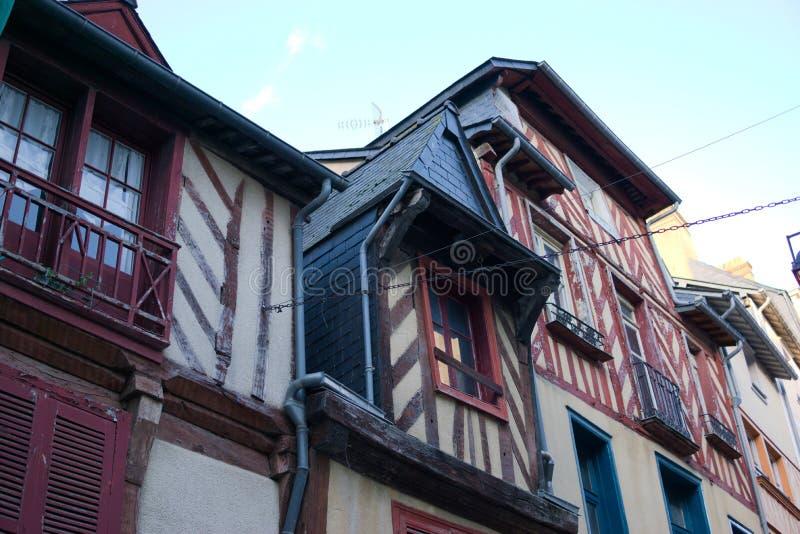 Le costruzioni francesi hanno esposto i fasci di legno brittany fotografia stock