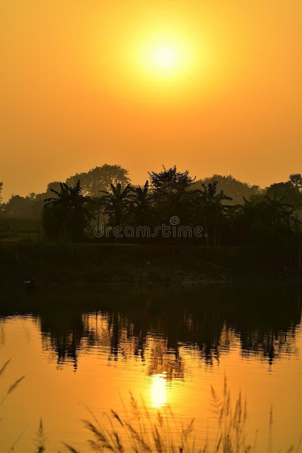 Le coucher de soleil photographie stock