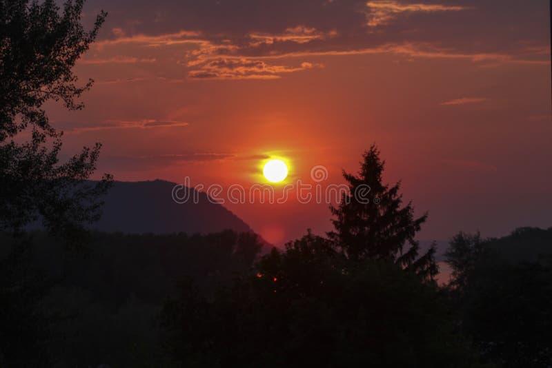 Le coucher du soleil de Volga photo libre de droits