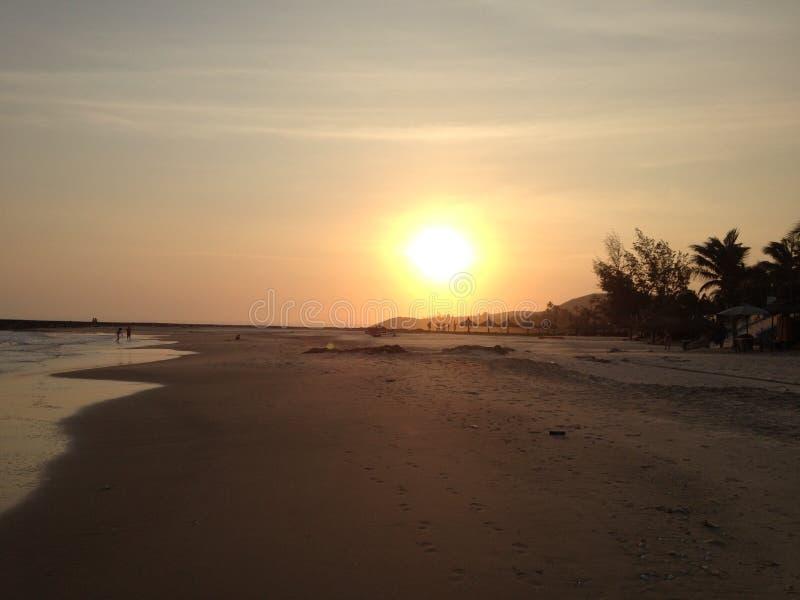 Le coucher du soleil magnifique sur le Vietnam images libres de droits
