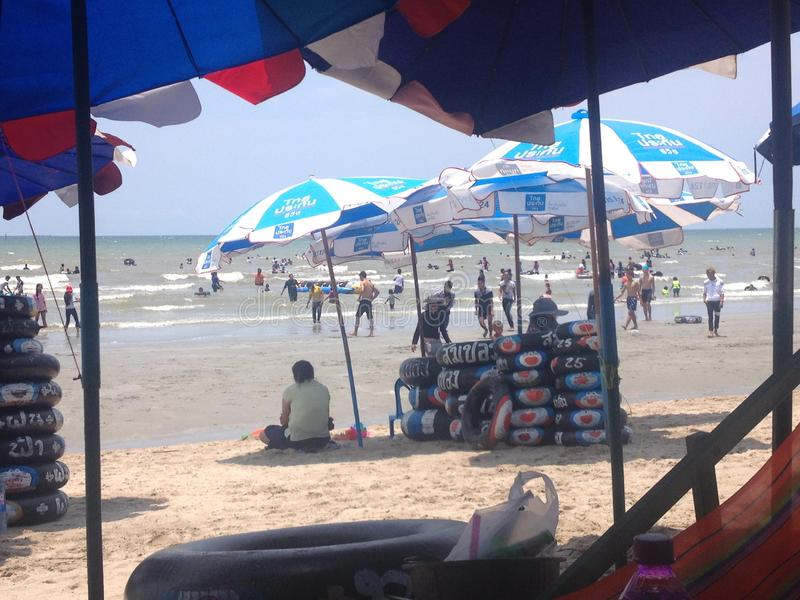 Le coup saen la plage images stock