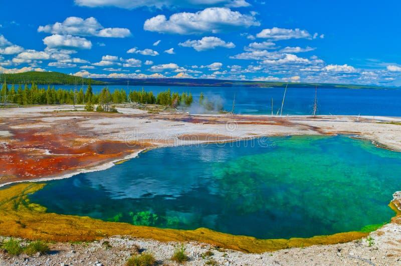 Le courant ascendant met Yellowstone en commun photos stock