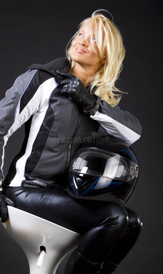 Le coureur heureux pose photos libres de droits