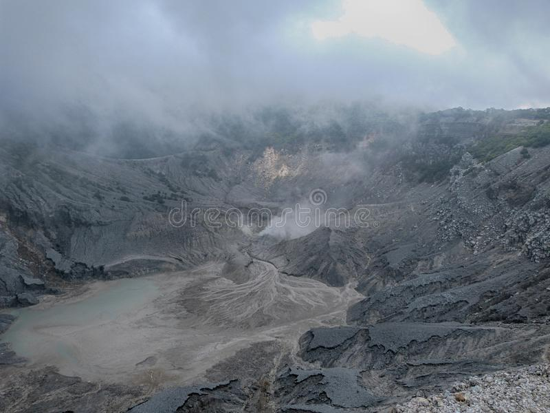 Le cratère Tangkuban Perahu mt-1 photo stock