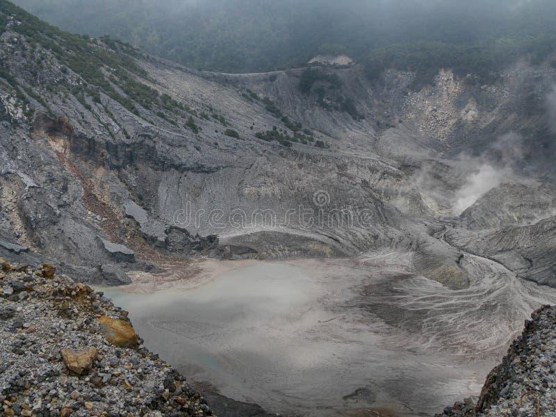 Le cratère Tangkuban Perahu mt-2 image libre de droits