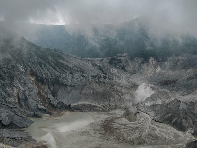 Le cratère Tangkuban Perahu mt-3 photos stock