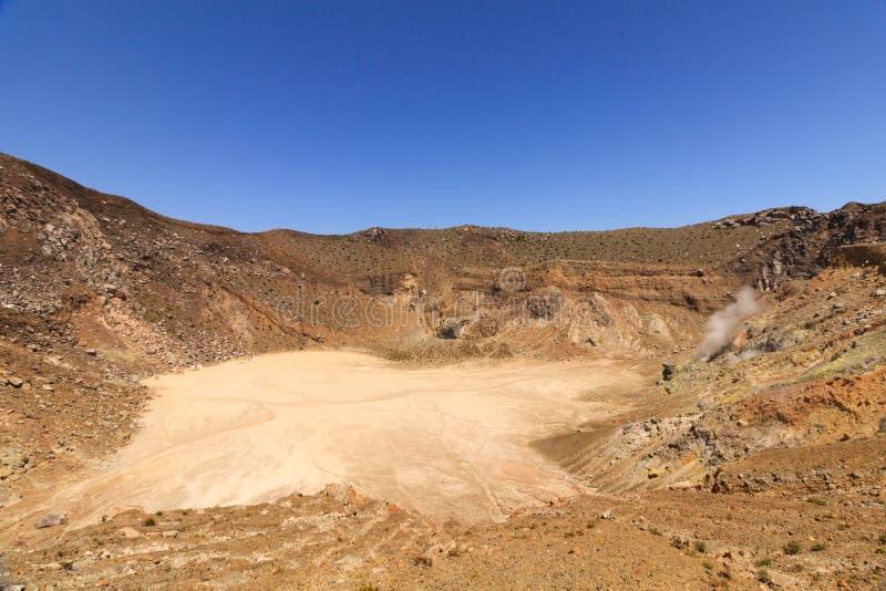 Le cratère volcanique du gunung Inerie, Flores, Indonésie image libre de droits