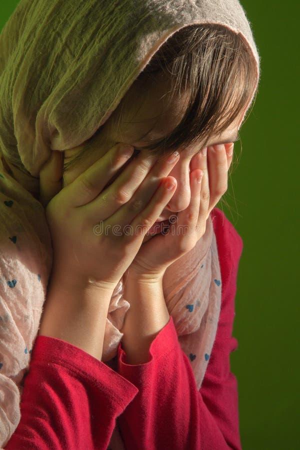 Le cri de la jeune fille - portrait image libre de droits