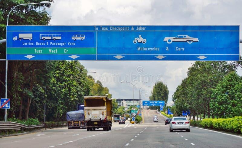 Le croisement de route de frontière de point de contrôle de Tuas entre Singapour et Johor, Malaisie photos libres de droits