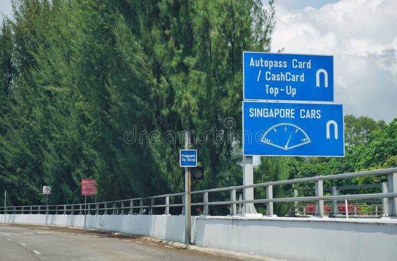 Le croisement de route de frontière de point de contrôle de Tuas entre Singapour et Johor, Malaisie images libres de droits