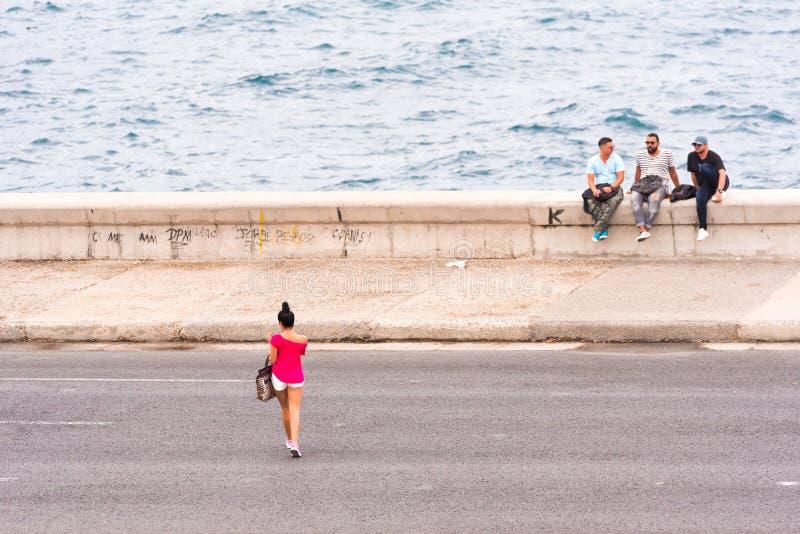 LE CUBA, LA HAVANE - 5 MAI 2017 : Vue du bord de mer de Malecon Copiez l'espace pour le texte photos stock