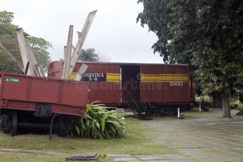 LE CUBA, SANTA CLARA 2 F?VRIER 2013 : Monument au d?raillement du train blind? image stock