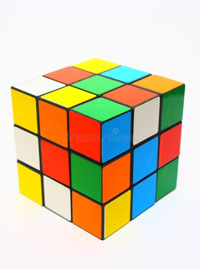 Le cube des rubik brouillés photographie stock