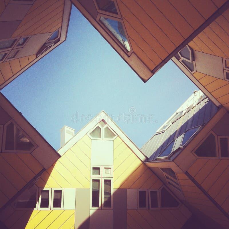 Le cube renferme l'hôtel à Rotterdam photos stock