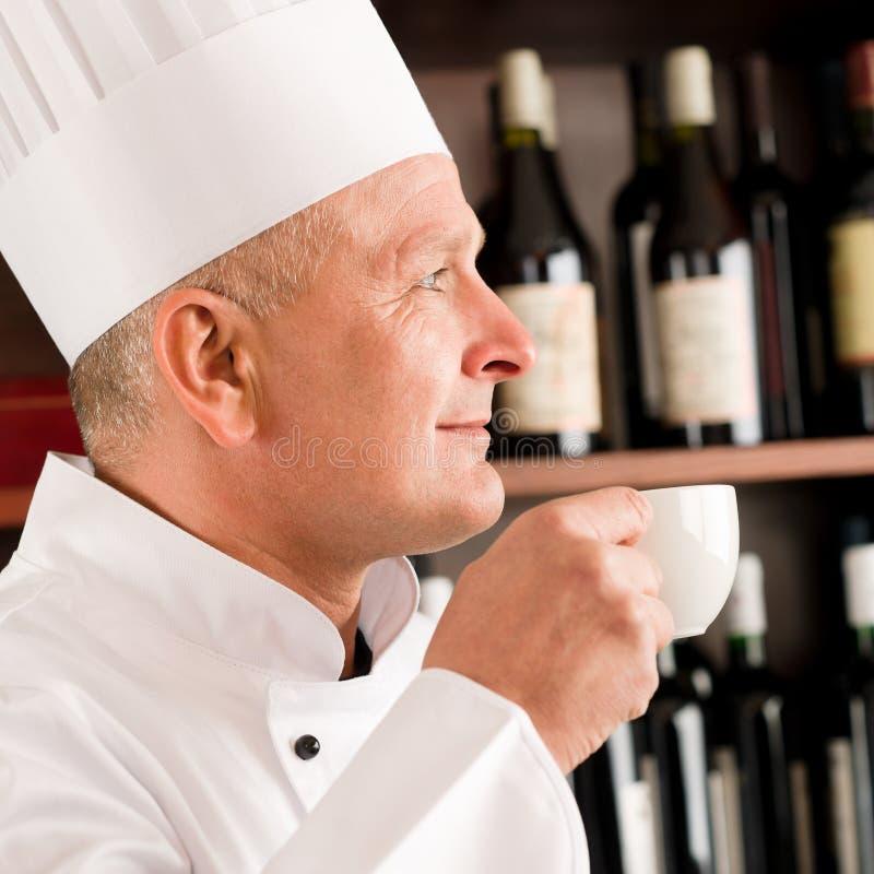 Le cuisinier de chef détendent le restaurant de pause-café photos stock