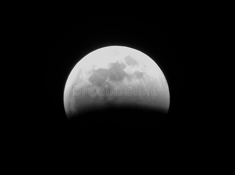 Le début de l'éclipse 2019 images stock