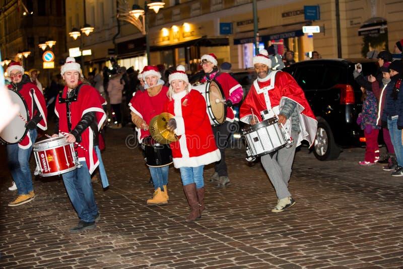 Le défilé annuel traditionnel de Santa Claus à l'ouverture des vacances de Noël photos libres de droits