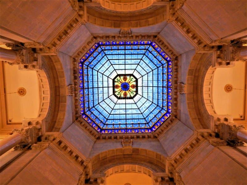 Le dôme de la Chambre d'état photographie stock
