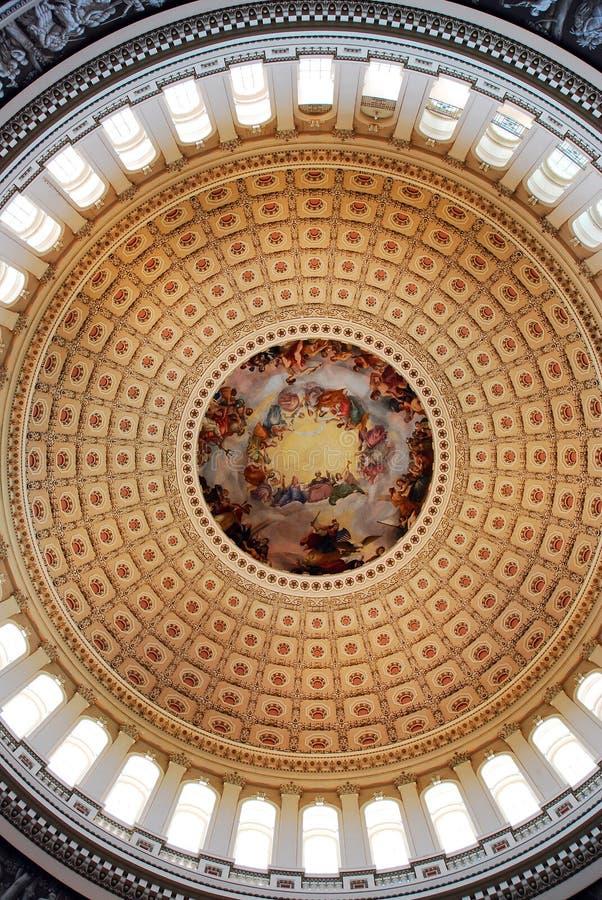 Le dôme intérieur du capitol des USA photos stock