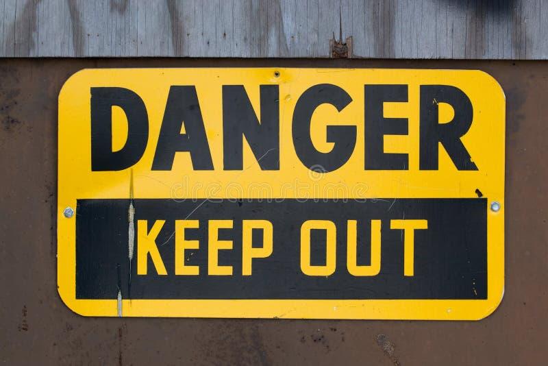 Le danger empêchent d'entrer le signe photo stock