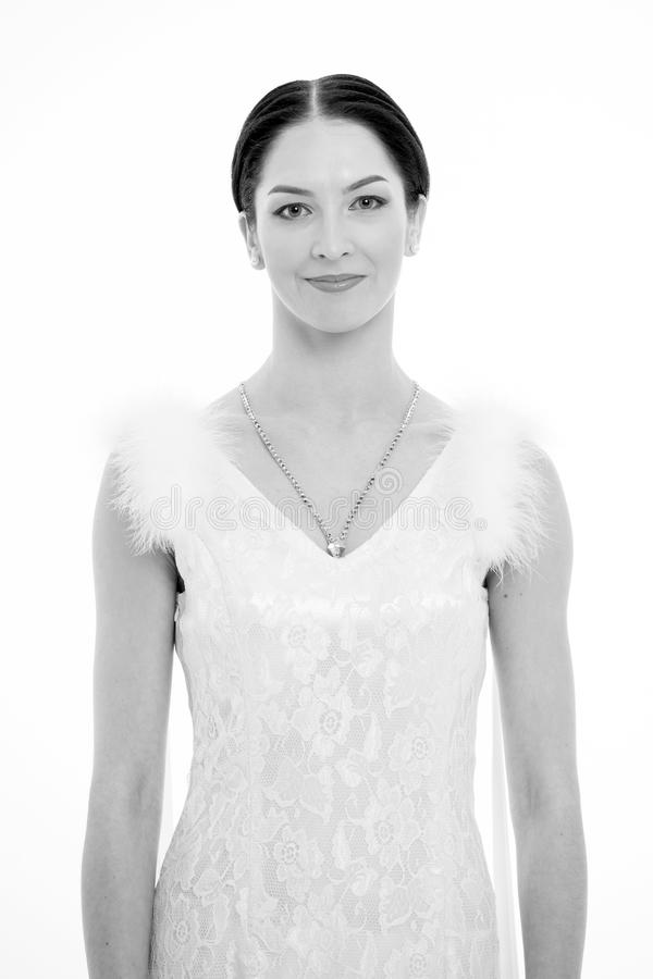 Le danseur de la danse de salle de bal semble magnifique Brune de fille sur le visage de sourire habillé dans la robe de luxe ave photographie stock