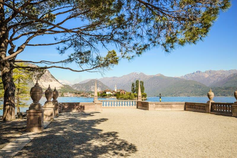 ?le de p?cheurs de Maggiore de lac, Stresa Italie photos stock