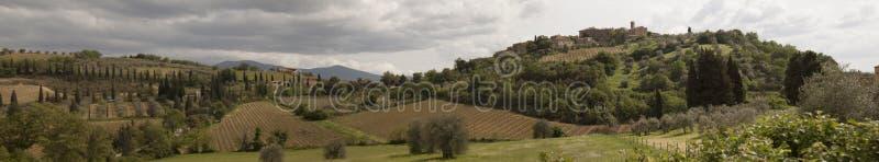Le ` de vallon de Castelnuovo de fraction diminuent la municipalité du ` de vallon de Castelnuovo de fraction de Montalcino dimin photo stock