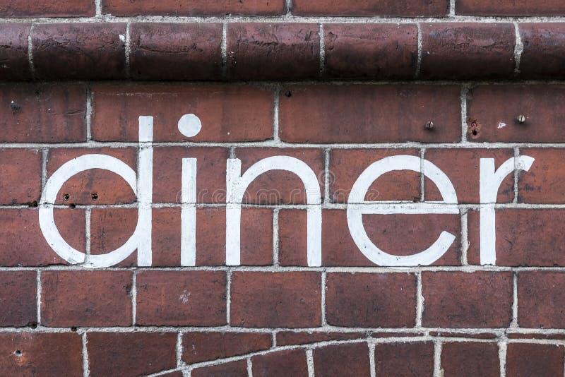 Le ` de wagon-restaurant de ` de mot écrit en peinture ordonnée, sur un mur photos libres de droits