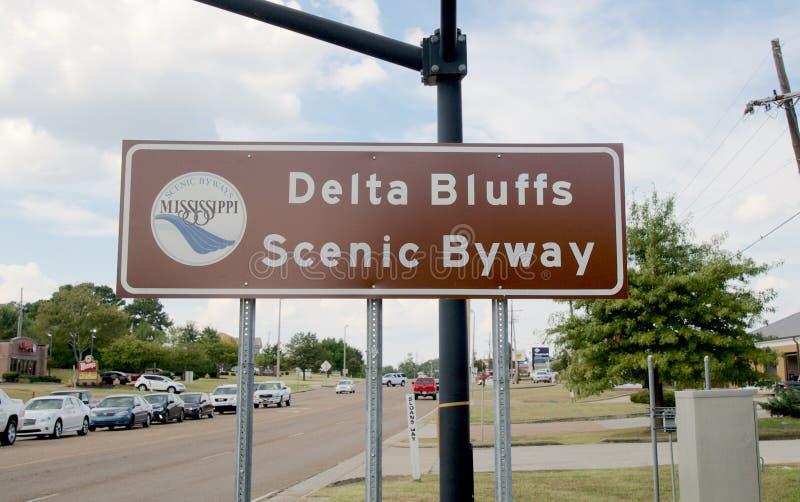 Le delta bluffe le signe scénique de chemin détourné, Hernando, Mississippi image stock
