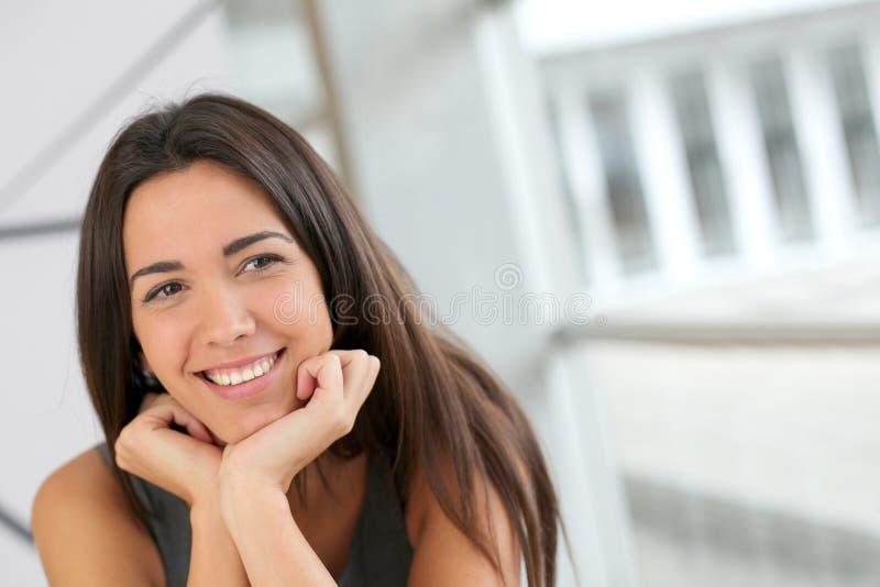 le deltagarekvinna arkivfoto