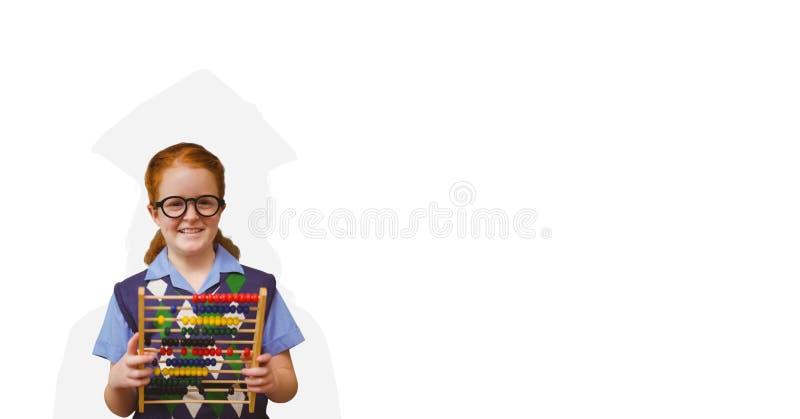 Le den hållande kulrammet för skolflickan med avläggande av examen skugga på baksida royaltyfri foto