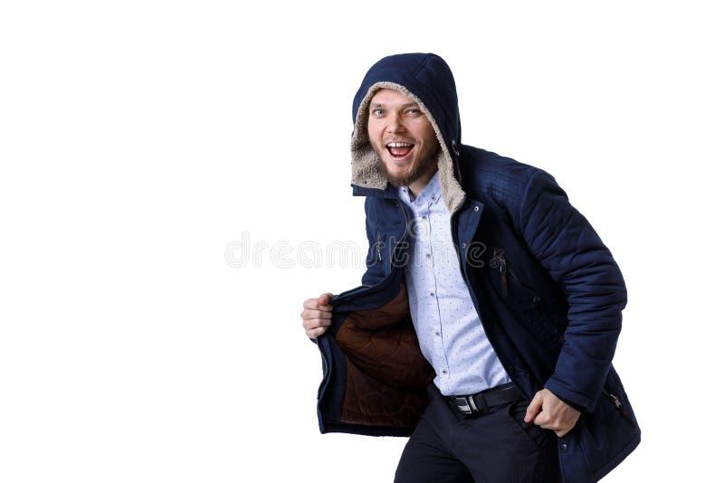 Le den unga mannen i varmt lag för vinter royaltyfri fotografi