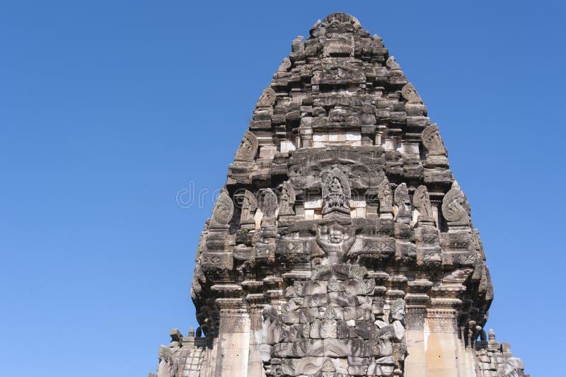 Le dessus de la canalisation esquintent, tour principale en parc historique de phimai images stock