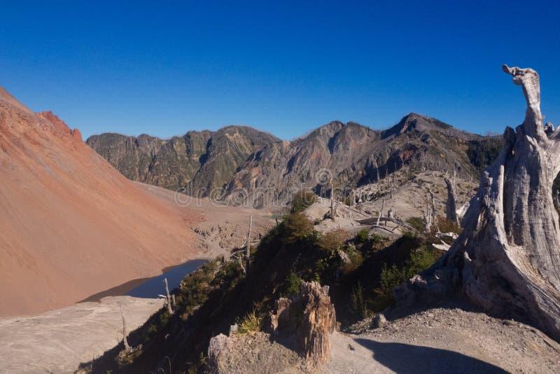 Le dessus du volcan de Chaiten dans le patagonia, Chili Carretera austral image stock