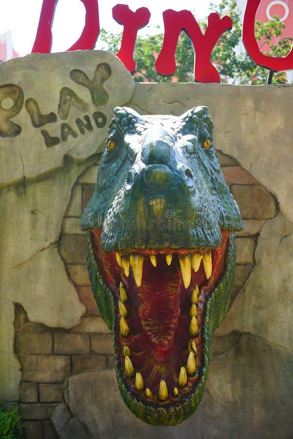 Le dinosaure d'exposition d'attraction touristique de point de repère de bâtiment de venezia pour des enfants dans le playland da photographie stock libre de droits