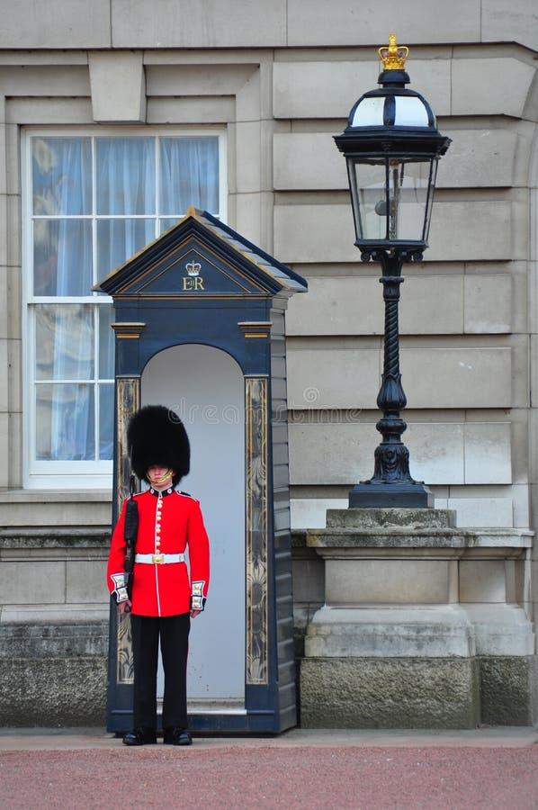Le dispositif protecteur de la Reine anglaise, Londres images stock