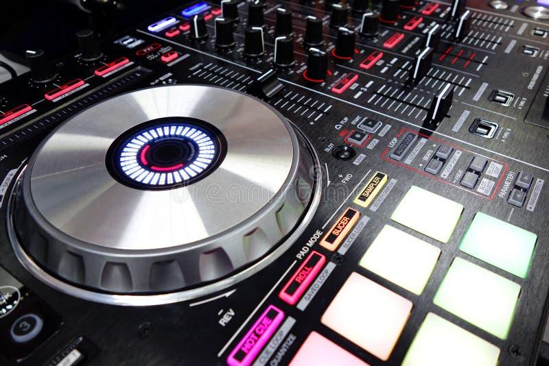 Le DJ bloc de commande image stock