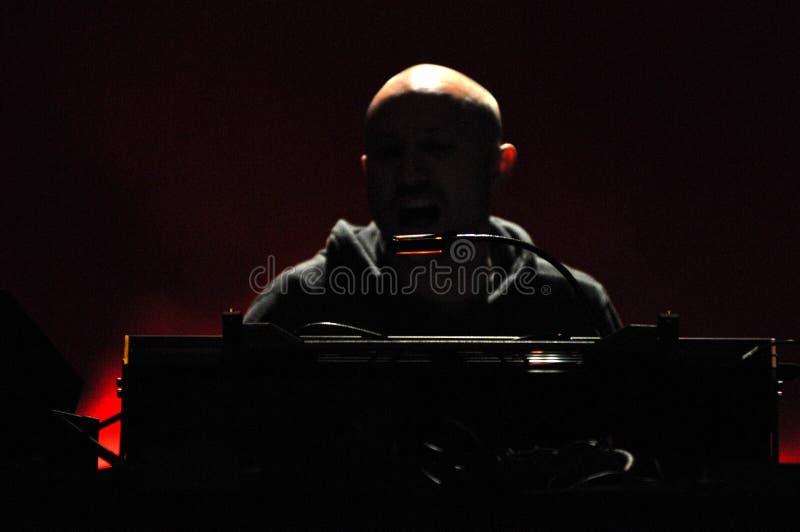 Le DJ Paul Kalkbrenner de Berlin, Allemagne exécute vivant sur l'étape photo stock