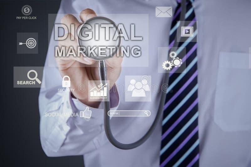 Le docteur inconnu touche le texte de commercialisation numérique photos libres de droits