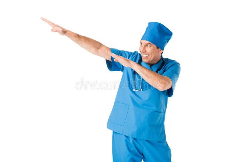 Le doktorn i likformign som har gyckel royaltyfri foto