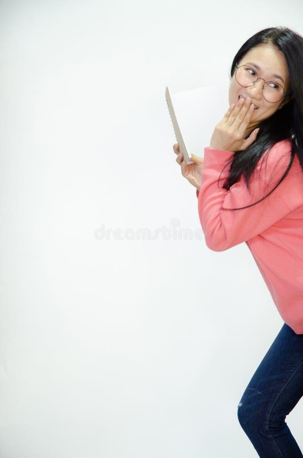 Le donne asiatiche stanno sorridendo fotografie stock libere da diritti